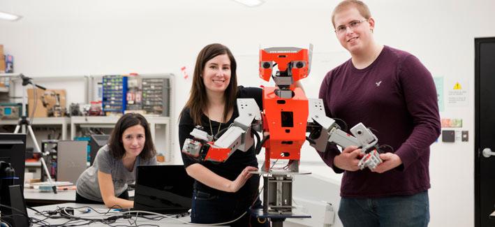 étudiants avec le robot