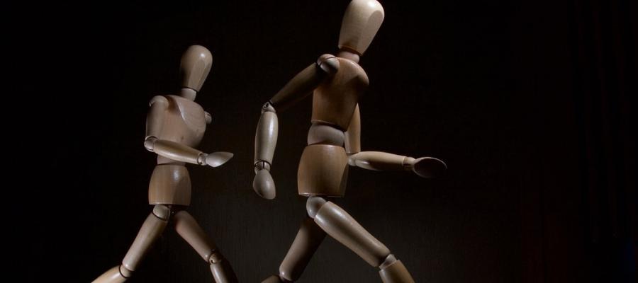 Sculptures showing movements