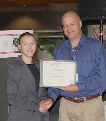 Sarah De Carufel receiving the best paper award at the UHPC 20-16 conference